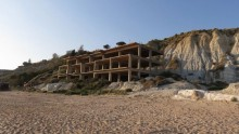 Riaprire il condono edilizio del 2003: Palma presenta il ddl al Senato