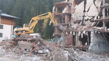 Difformita' totale o parziale del manufatto, quando scatta la demolizione?