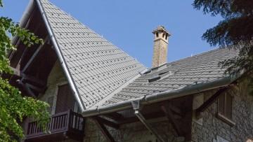 Risanamento tetti di edifici storici: una copertura in alluminio per una villa del '900