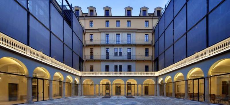 Piazza Carlina, nel centro storico di Torino