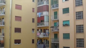 Costruzioni in aggetto all'interno del condominio: è sempre abuso?