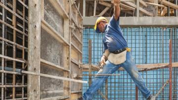 Comportamento imprevedibile del lavoratore: non c'è responsabilità per datore e Rspp