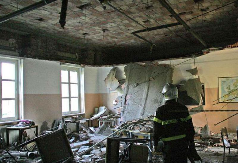 Crollo del soffitto al Liceo Darwin di Rivoli, fonte: Ansa