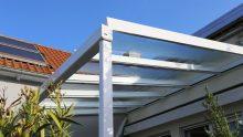 La tettoia modifica i prospetti e aumenta il carico urbanistico? Serve il permesso di costruire