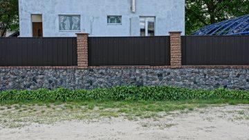 Rapporti di vicinato: comunione forzosa del muro di confine